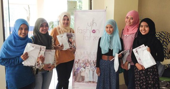 Meriah dan Menginspirasi: UIN Fashion Fair 2014
