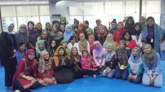 Danone Talk – Learn How To wear Hijab with Alian Lestari